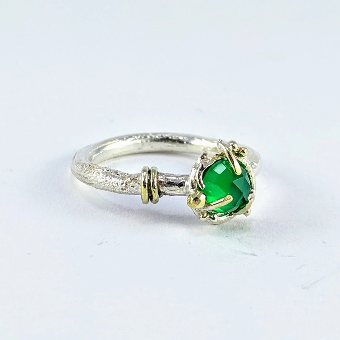 Future Artefact ring with green onyx - bright silver