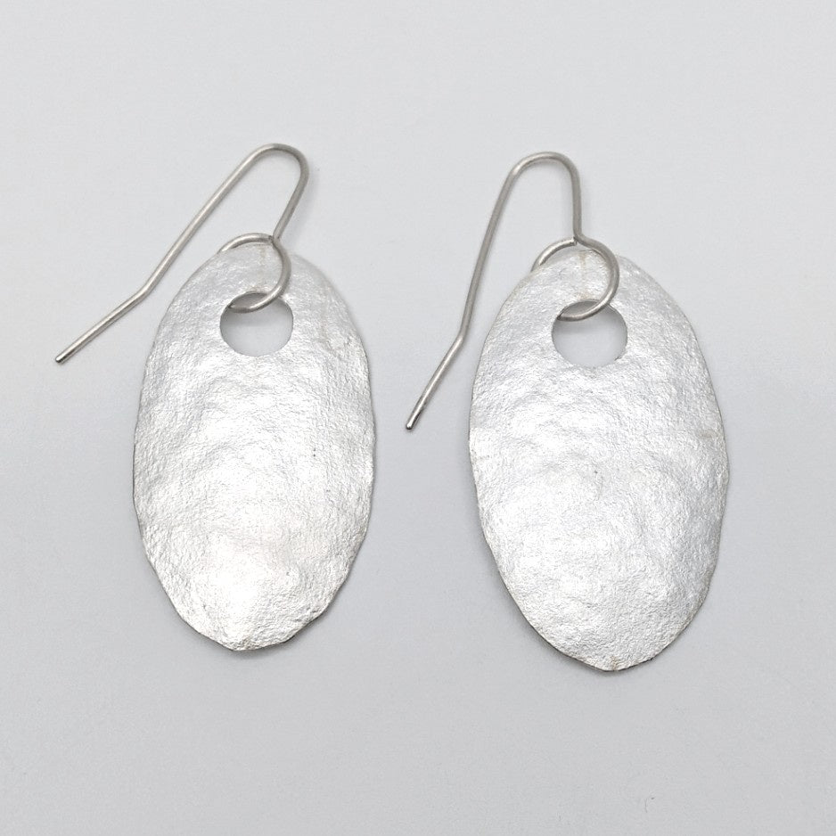 Oval earrings silver