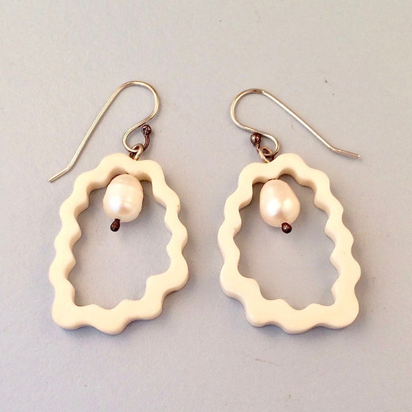 Oval wavy bone pearl earrings