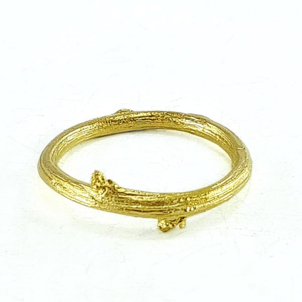 Briar twig ring - yellow gold