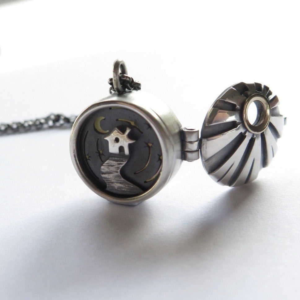 Dreamscape locket pendant