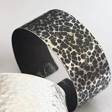 Suka large cuff - oxidised