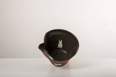 Medium Black Pouring Bowl - bunnny
