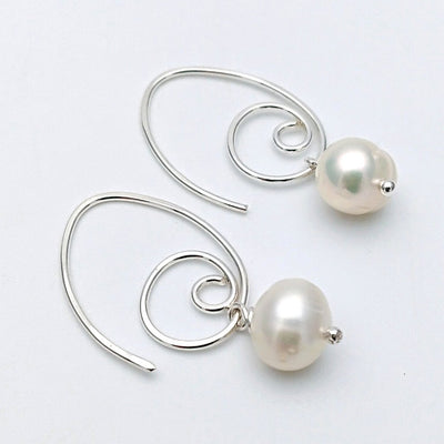 Elliptical spirals with pearl Silver or Gold