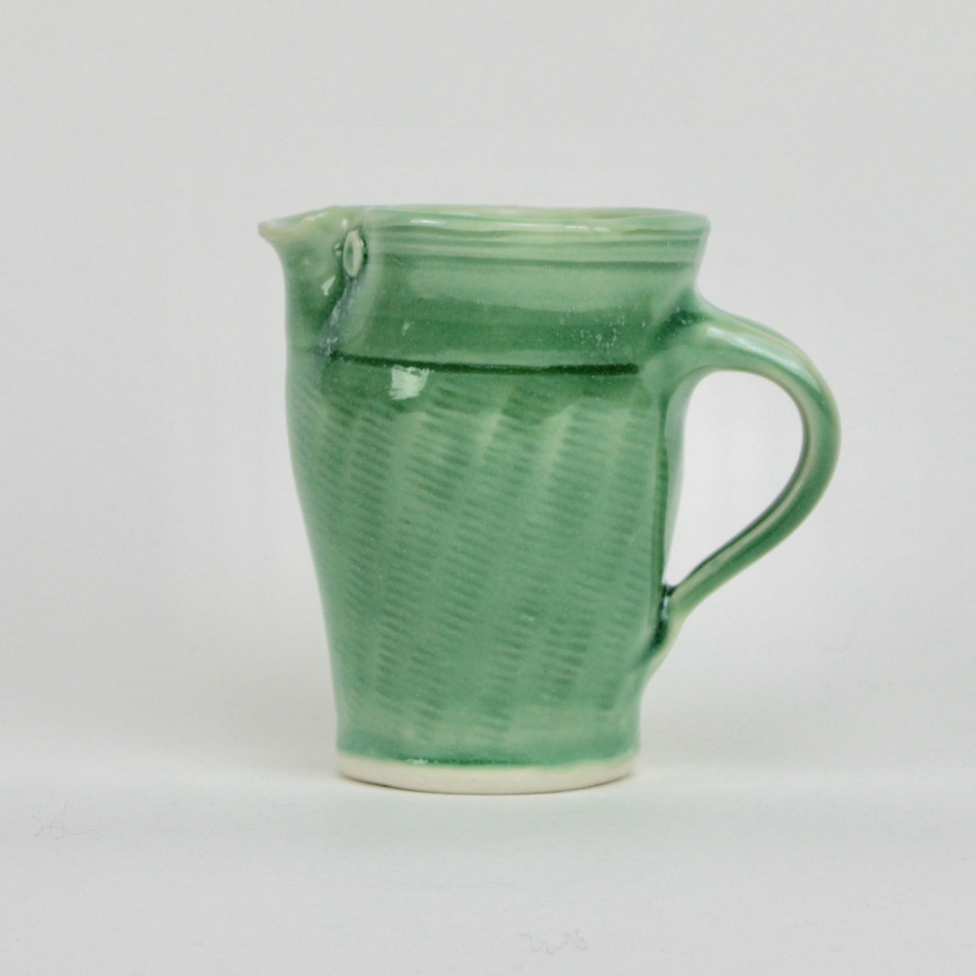 One pint jug - green