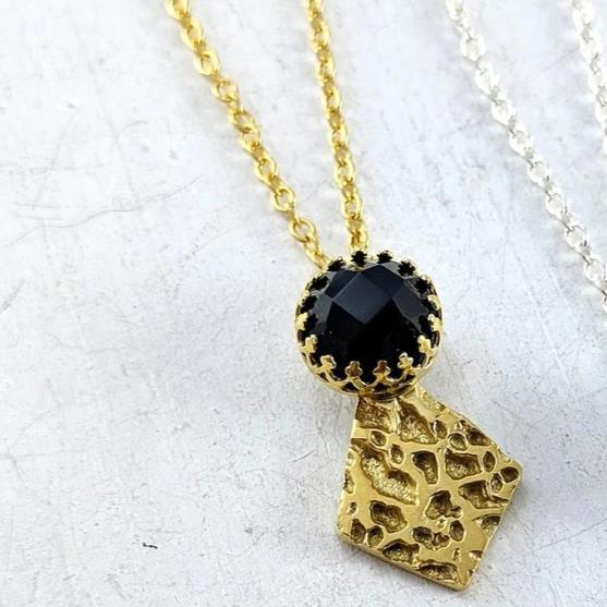 Regal Gem pendant - gold