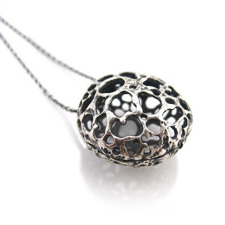 Lace Pod silver necklace