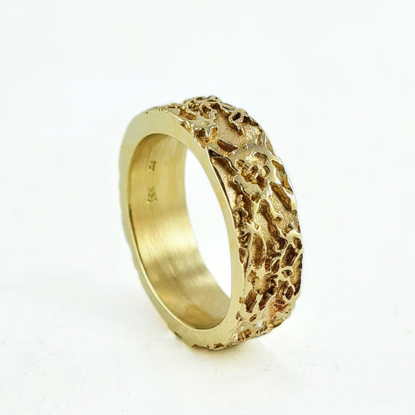 Halo lace band - yellow gold