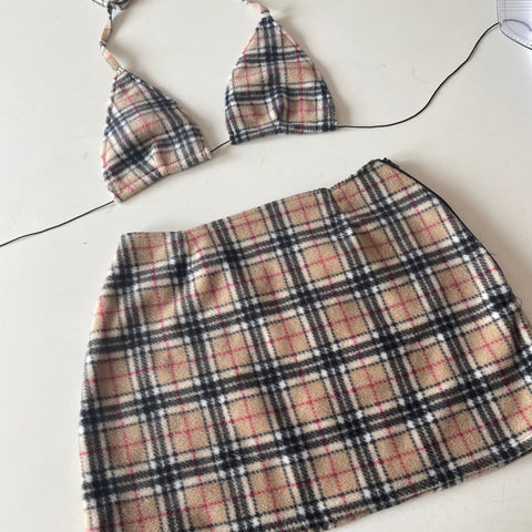 LIMITED- check skirt set