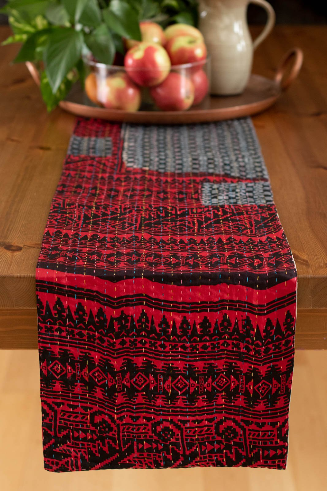 Kantha Table Runner Silk Blend E1