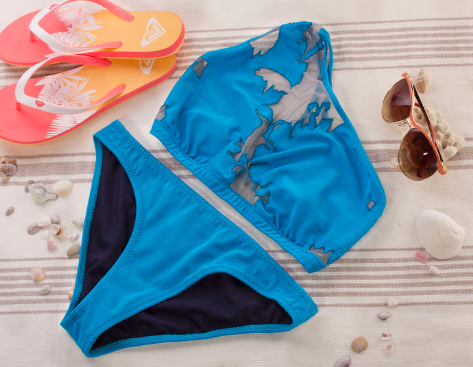 Electric blue sporty bikini bottoms. Full coverage on the bum with soft inner lining. Ethically made by hand in Toronto, Canada. Pairs nicely with any other blue top in the Bright and Bold collection or a top from the eco-black collection for a fun colour blocked look
