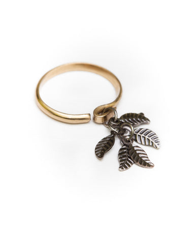 Dark Leaf Ring