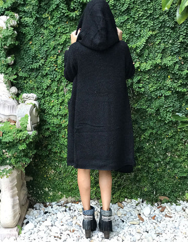Socialite Oversized Two-Pocket Hooded Cardigan in Black