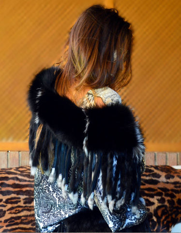 Fur Collar with Fringe in Black