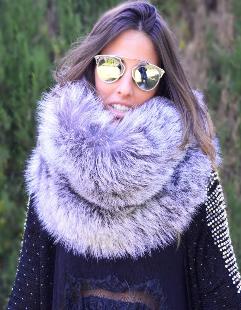 Fur Collar in Silver - SWANK - Outerwear - 1