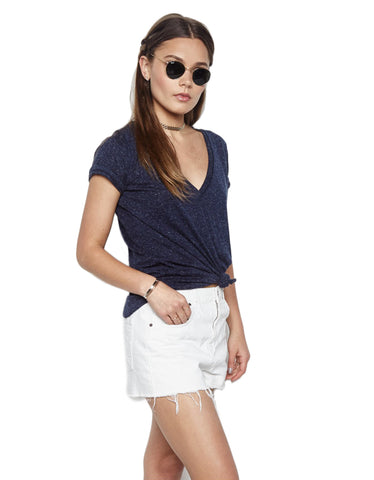 Michael Lauren Manny V-Neck Tee in Navy