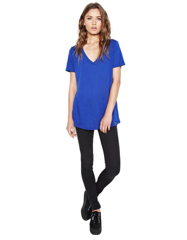 Michael Lauren Apollo V-Neck Tee in Moonstone
