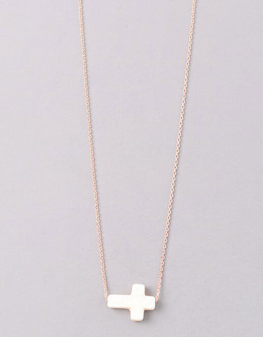 Gwyneth Beaded Horn Necklace in Pink