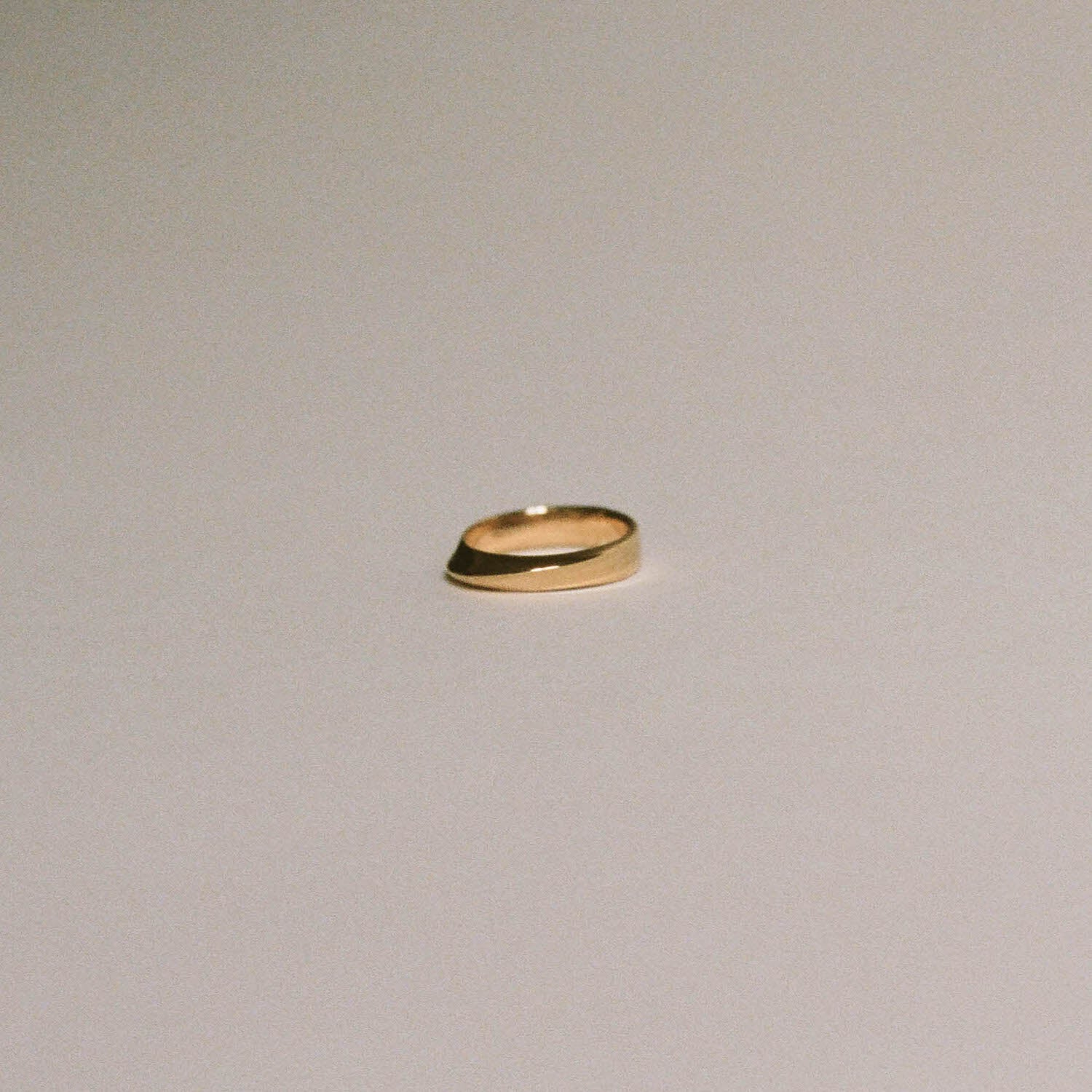 Mobius Strip Ring Gold