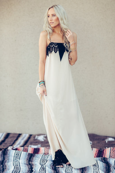 Flowing boho chic maxi holiday dress