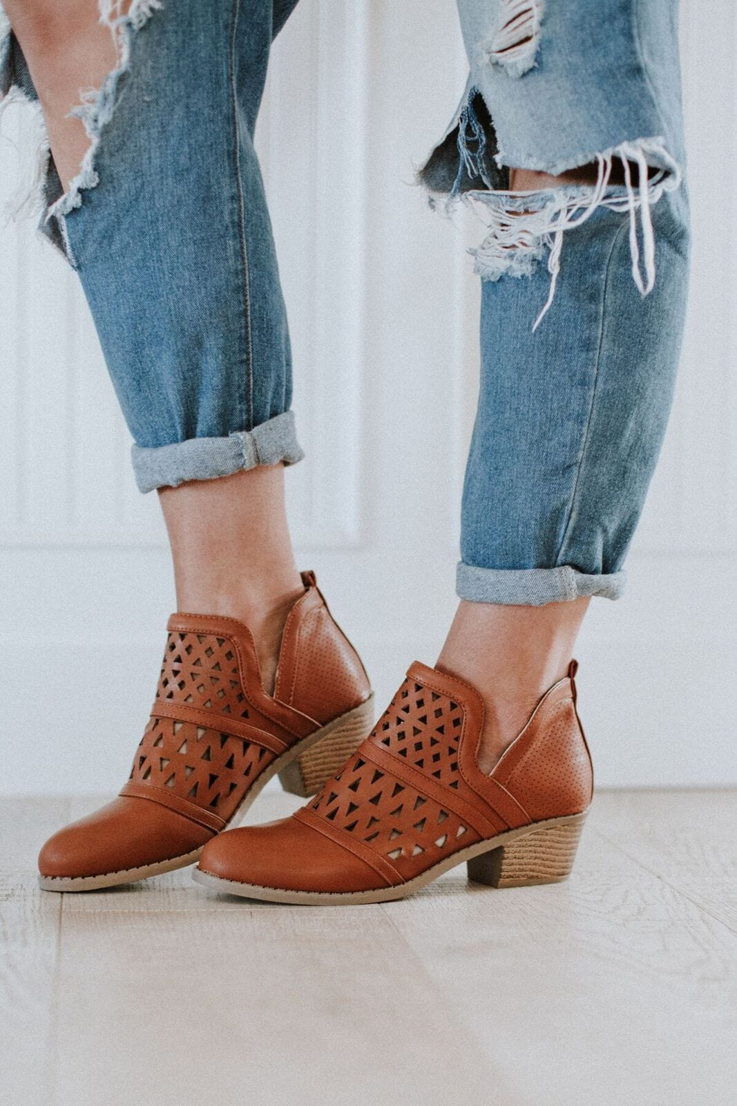 Nashville Cut Out Bootie - Tan