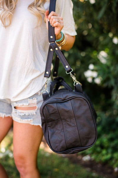 Weekend Trip Leather Oversized Duffle Bag in Black