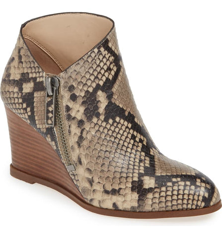 1.State Kaleb Wedge Roccia Beige Snake Ankle Bootie Mid Wedge Designer Boot