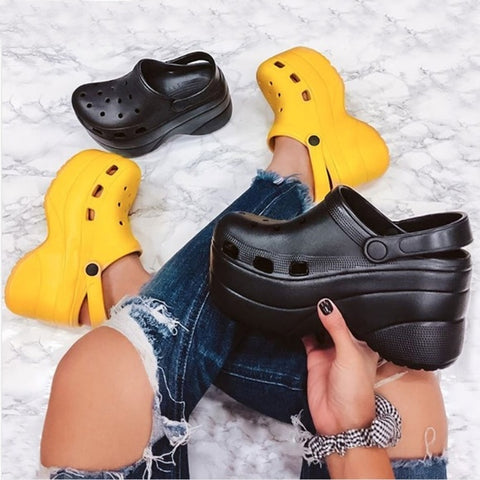 Cape Robbin Gardener Black Platform Clogs Slippers Fashion Comfortable Shoes