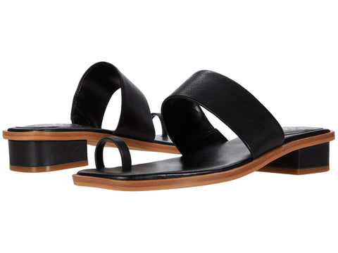 Vince Camuto Women's YELINDA Leather Slip on Vamp Strap Flat Sandal BLACK