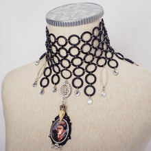 Load image into Gallery viewer, Frida Choker