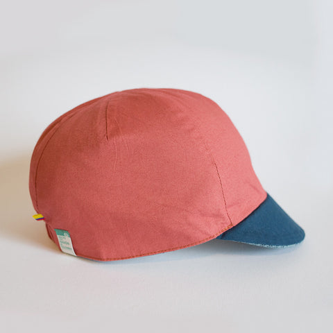 Mod.307 The Classic Reversible Cycling Cap in Lightweight Cotton in Blue/Russet Red