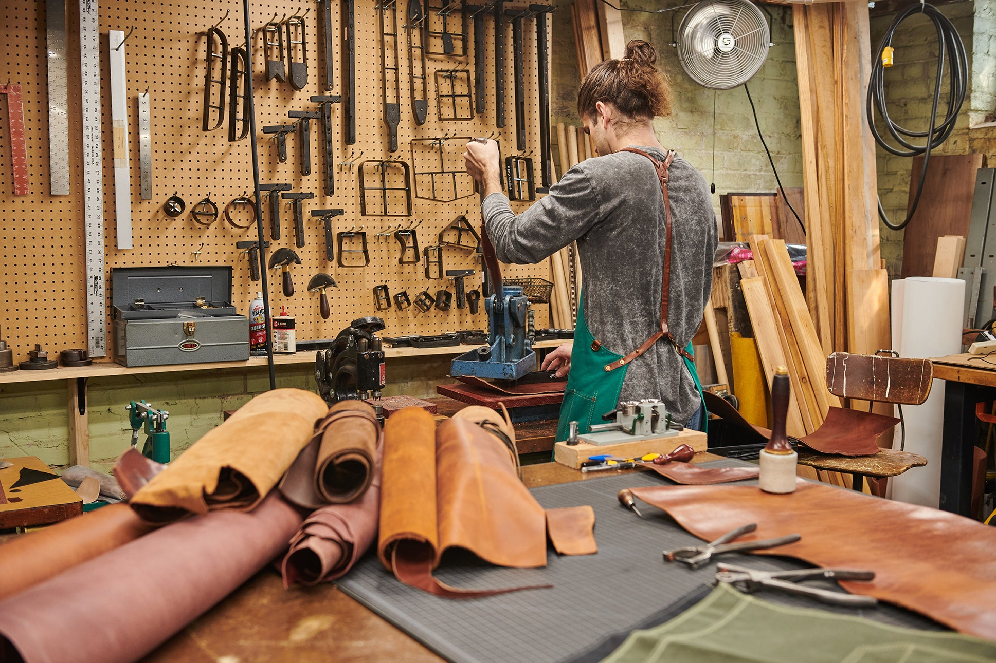 Artifact's Omaha Studio - Alec Die Cutting Leather Apron Parts