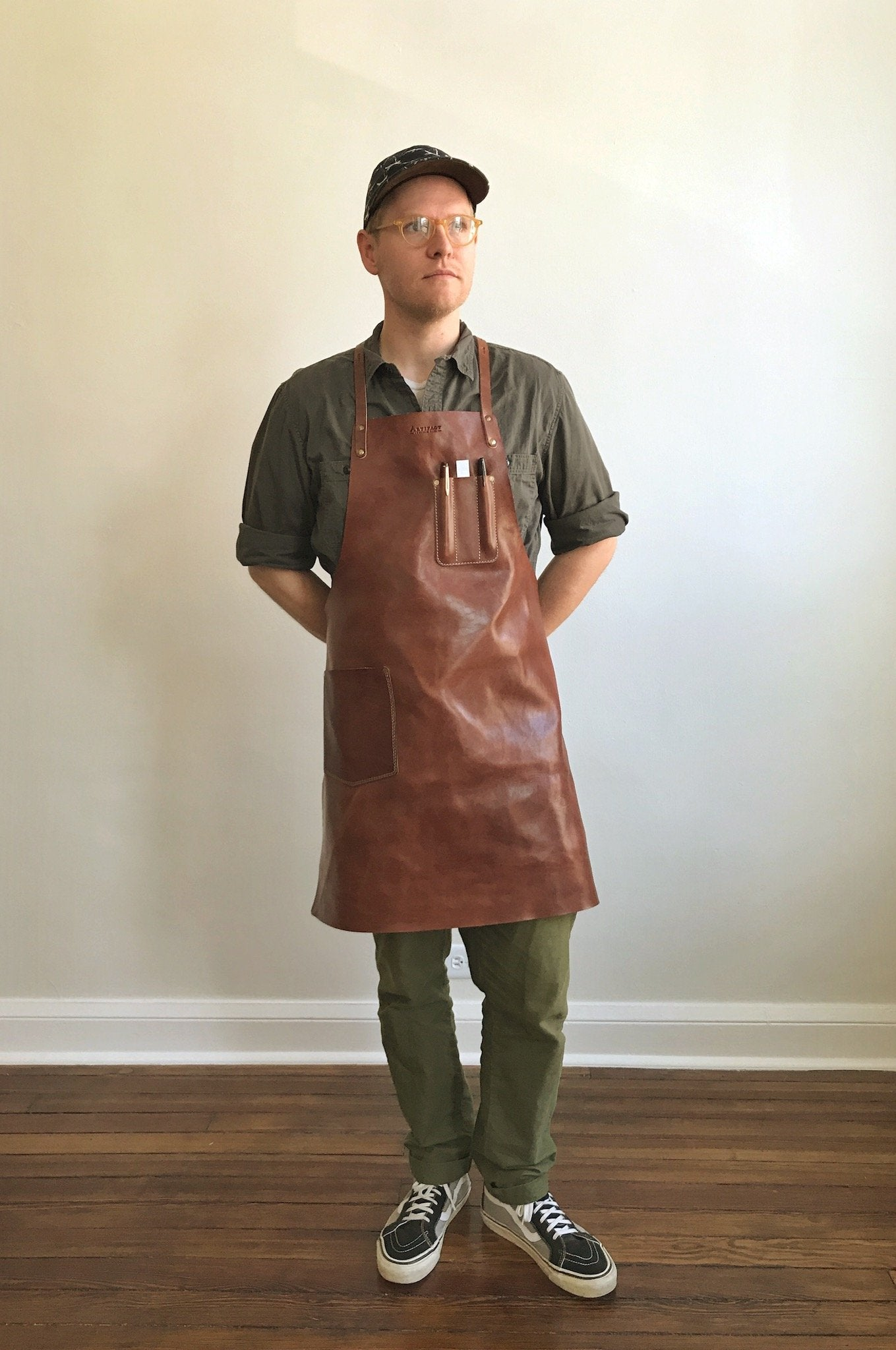 ARTIFACT Harness Leather Y-Strap Apron