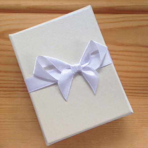 White Bow Earring and Pendant Gift Box