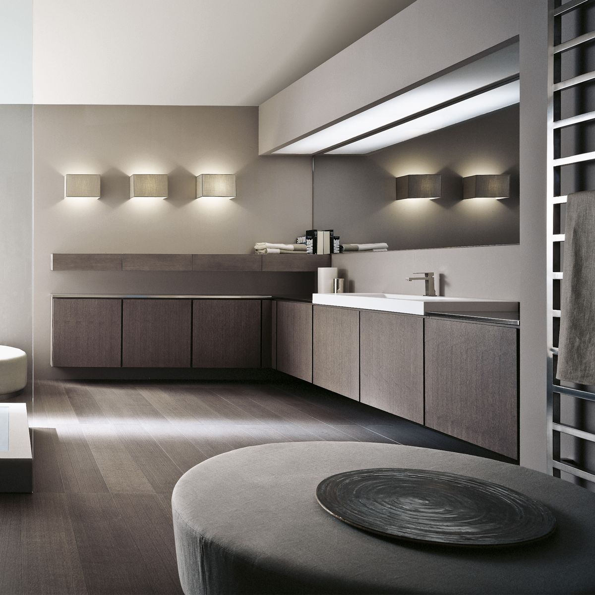 Bespoke fitted luxury bathroom cabinets