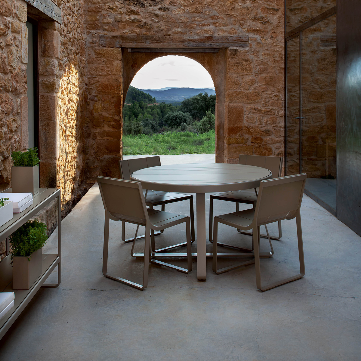 Luxury Italian furniture for outdoor spaces