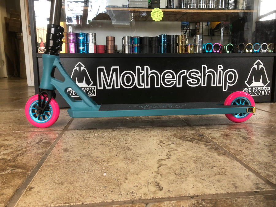 Custom Complete #110 - Mothership