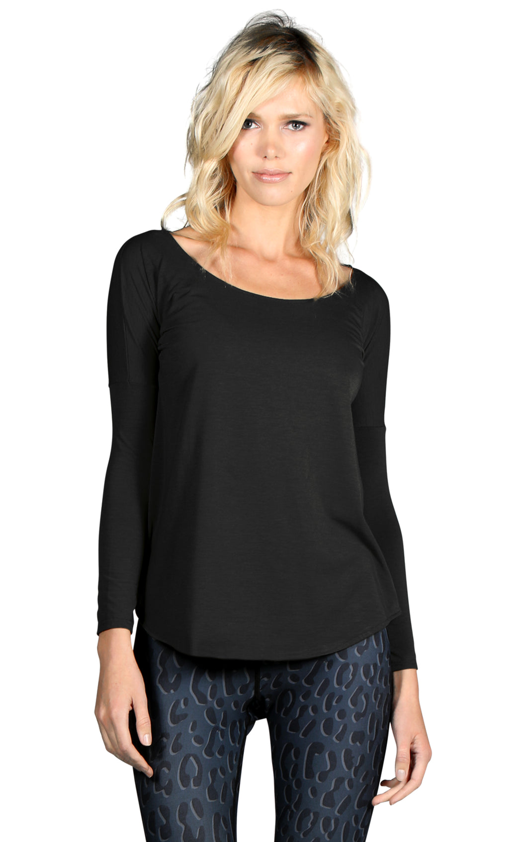 PERFORMANCE CASHMERE SCOOP NECK LONG SLEEVE