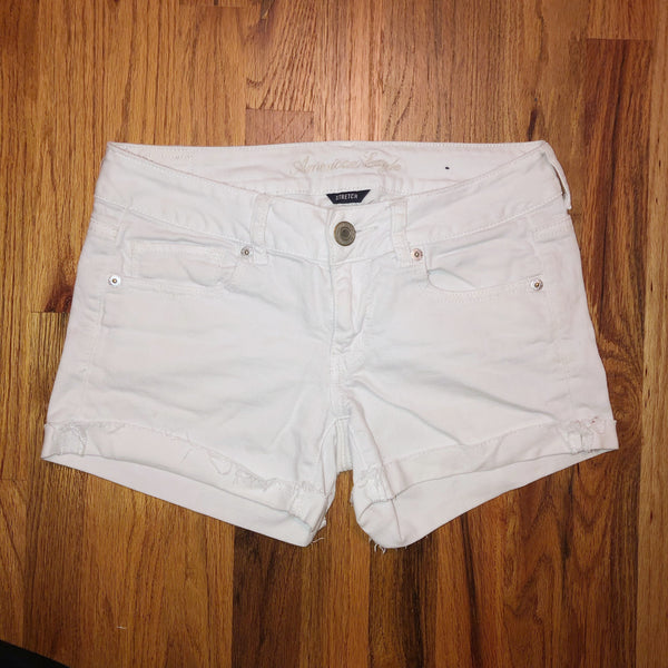 American Eagle 4 White Shorts
