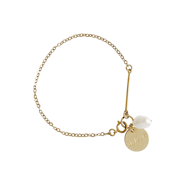 Penny Pearl and Disc Bracelet in Gold Color