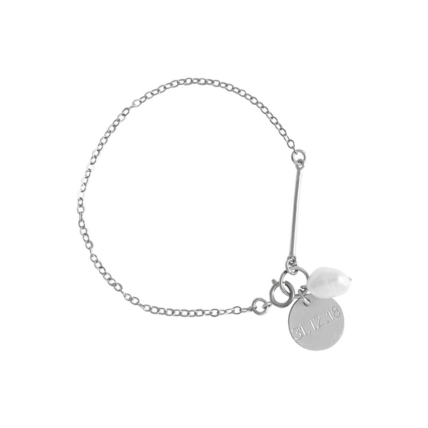 Penny Pearl and Disc Bracelet in Silver Color