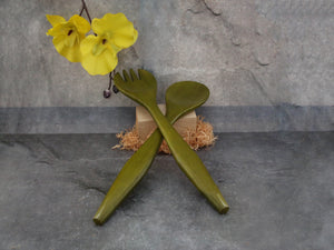 Bamboo Salad Servers (olive green)