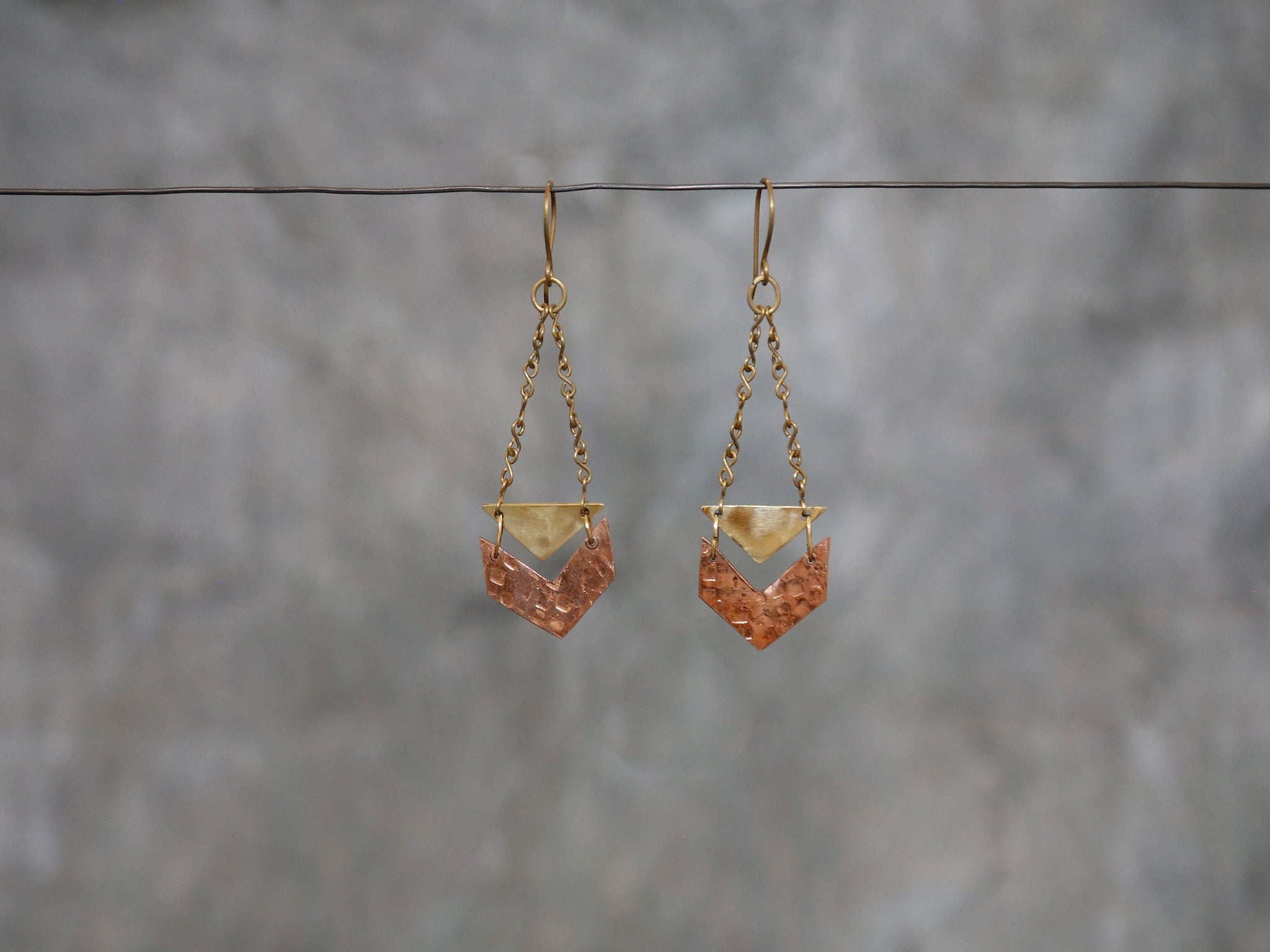 Earrings Chevron copper/brass