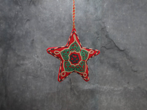 Ornament, Star, mini red w/green thread8cm