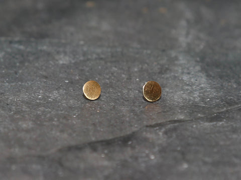 EarringSmall Circle Stud