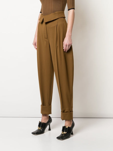 PLEATED DETAILS TAPERED TROUSERS