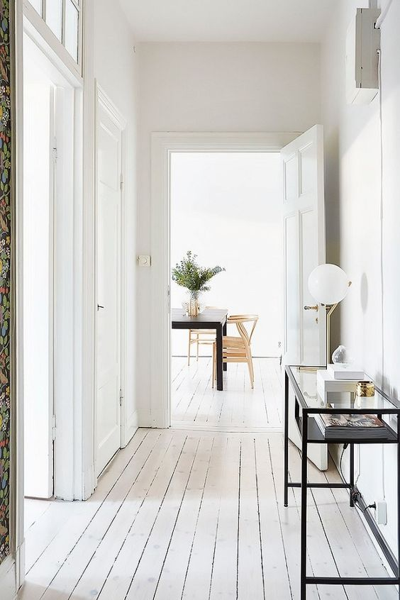 A simple hallway to welcome you home.