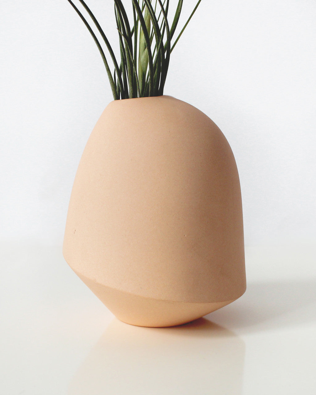 Sculptural Melon-Pink Bud Vase | Bean & Bailey