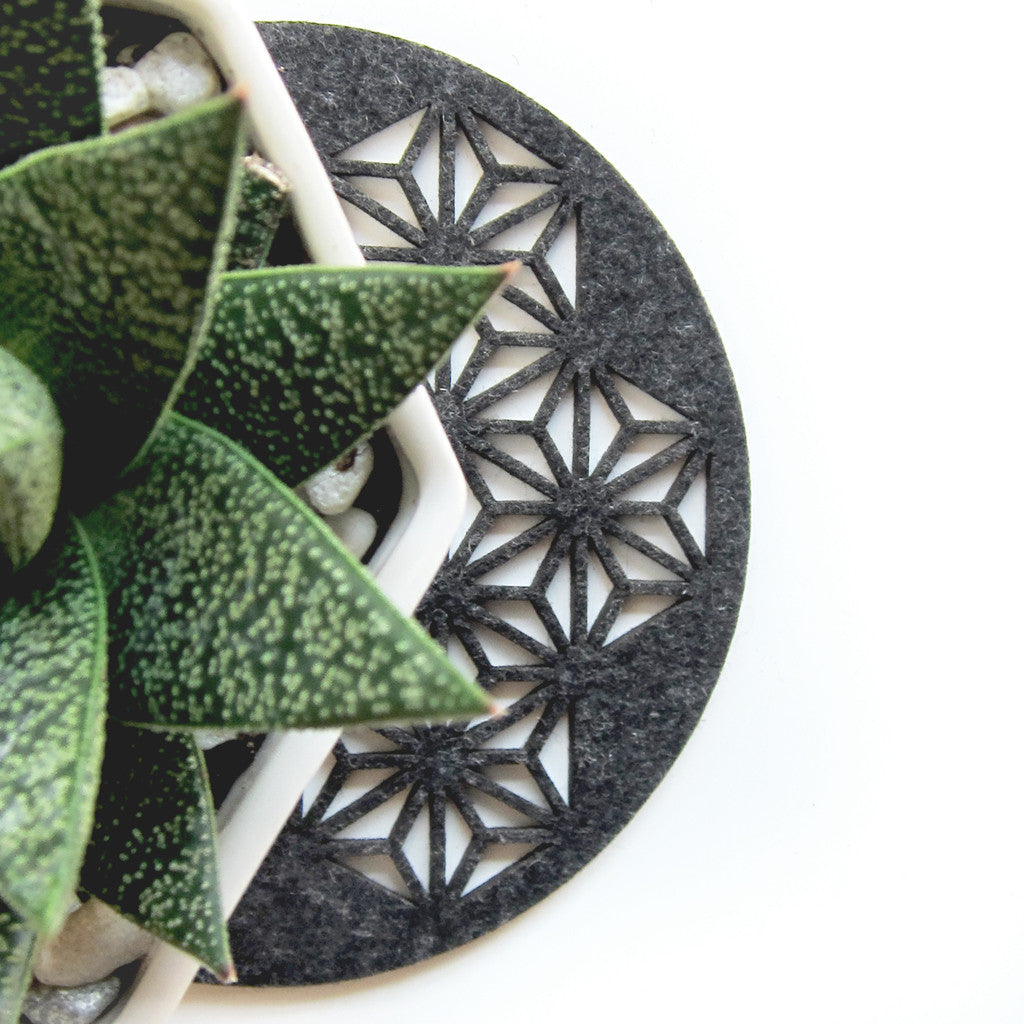 Molly M. Designs Triangulate Trivet - Molly M. Designs