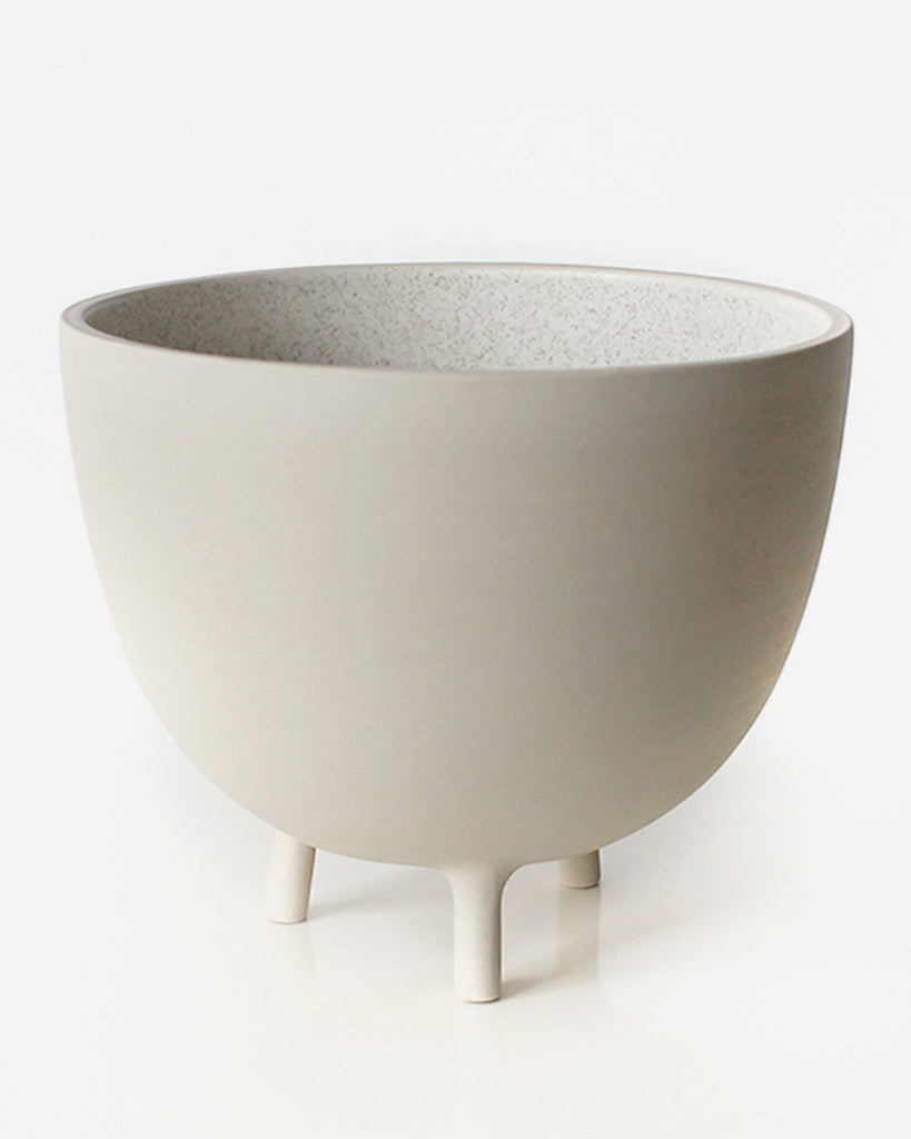 White Speckle Tripot Serving Bowl | Pigeon Toe